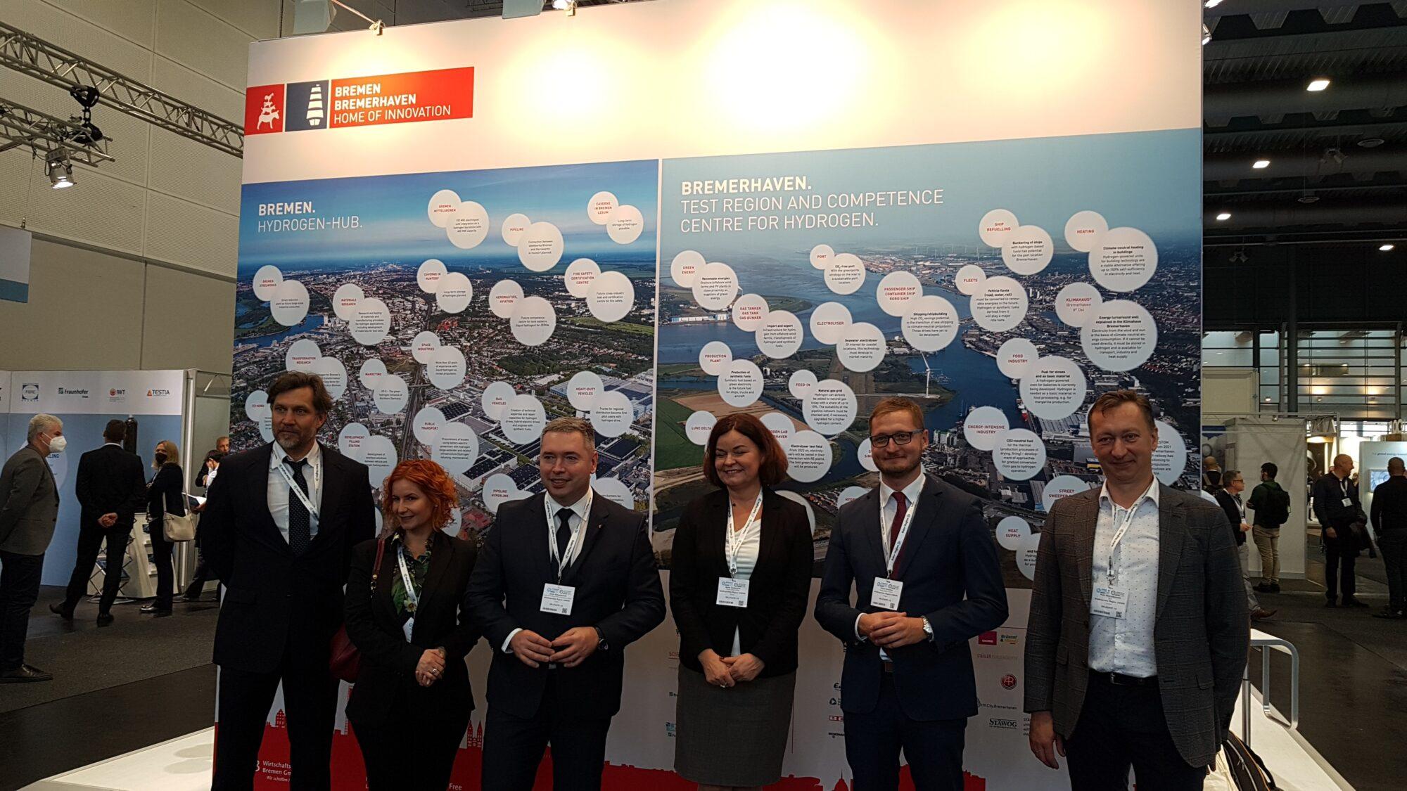 Członkowie wielkopolskiej delegacji na targach Hydrogen Technology Expo Europe